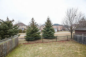 4 bdr Detached Fletcher's Meadow 9 Ft Ceiling!!! Prime Location
