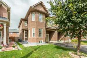 Spacious 4 Bedroom Home Location In The Boarder Of Vaughan!
