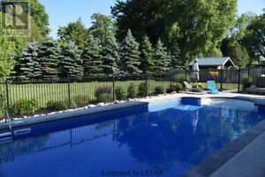 House for Sale - 4+1 Bedroom on Premium Lot London Ontario image 2