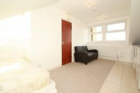 MODERN SUPER BEDSIT TO RENT IN KENSAL RISE! ALL BILLS INCLUDED!! CLOSE TO TRANSPORT LINKS AND SHOPS!