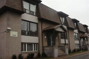 ALLISTON LARGE 2 BR APARTMENT $1276 Heat included