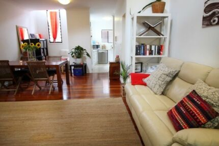 Stunning 3 level townhouse on the edge of Teneriffe