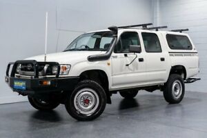 2004 Toyota Hilux KZN165R (4x4) White 5 Speed Manual 4x4 Dual Cab Pick-up Woodridge Logan Area Preview