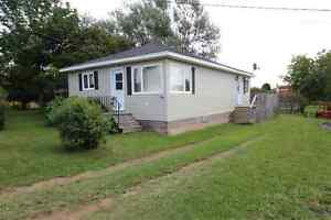 COTTAGE FOR RENT in Pointe Du Chene/Parlee Beach