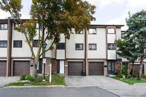 Bright And Spotless Townhome With Low Condo