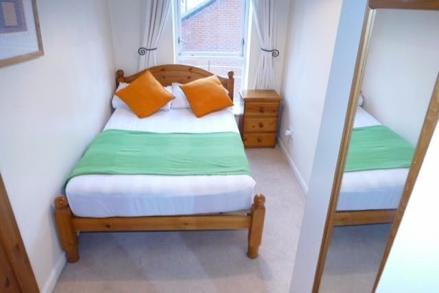 Cute and peaceful double room presented in East