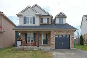 Come Check Out This Stunning Very Modern 3 Bedroom 4 Washroom