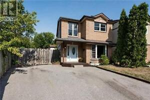 239 Browning Tr Barrie Ontario Home for sale!