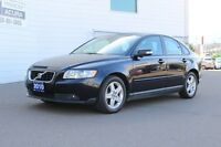 2010 Volvo S40 2.4i - LUXURY VEHICLE - LOADED - TRADED IN ON A I