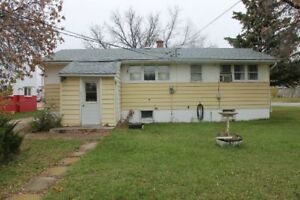ESTEVAN - FULL 3 Bedroom House for Rent at 902 Edward  Street