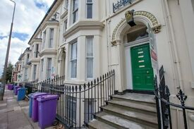 2 Bedroom propery to let - Ideal for Professionals & Students
