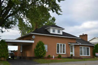 ALL BRICK HOME IN FRENCH RIVER AREA
