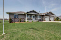 Beautiful 5 year old bungalow only 15 minutes from Owen Sound!