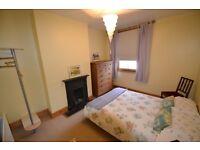 Littlehampton Lovely room near station