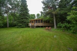4 BR Waterfront Cottage - Hillside Beach