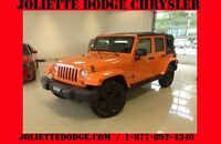 2012 Jeep Wrangler Unlimited SAHARA VUS 2 TOITS ORANGE UCONNECT