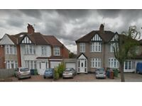 Stunning Large Ensuite Double room available at EASTCOTE LANE, SOUTH HARROW (Singles only)-£ 650 PCM
