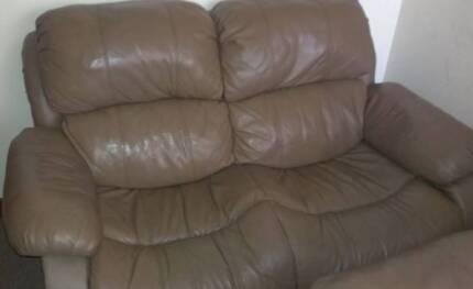 Comfy leather lounge Rockingham Rockingham Area Preview