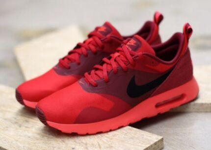 New Nike Air Max Tavas University Red Size 9.5
