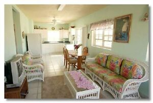 CAYMAN: Seven Mile Beach area Villa only $995/ Wk = Best Value!!