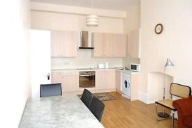 Studio flat in The Greenway, Colindale