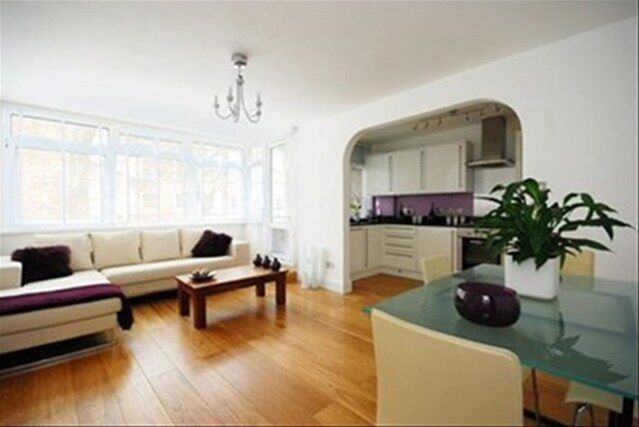 Modernised Two Bed Apartment in Fitzrovia in Heart of West End with Two Bathrooms