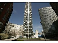 Studio flat in Charrington Tower, Biscayne Avenue, Canary Wharf