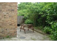 AMAZING SPACIOUS 1 BEDROOM FLAT WITH GARDEN NEAR ZONE 3 TUBES, BUSES, SHOPS & SUPERMARKETS