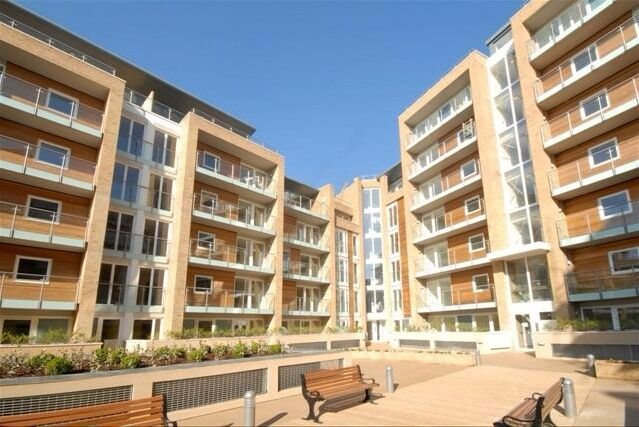 Fabulous 1 Bed Flat In Viridian Development Battersea