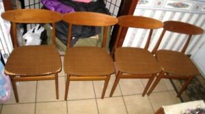 4 Mid-Century TEAK Chairs in good condition