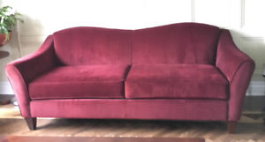 Gorgeous burgundy Sofa and Loveseat set, great deal!