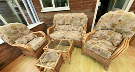 Quality sprung cain / wicker conservatory set