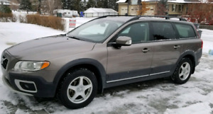 2009 Volvo XC70 Highest trim Radar Cruise, Blind Spot, Lane Dep