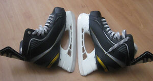 Bauer Supreme Ice Skates size 10.5 (new – They were tried 1x)