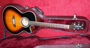 MINT CONDITION TAKAMINE EG260C ELECTRIC/ACOUSTIC GUITAR