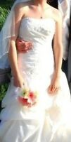 Ella Rosa Strapless Wedding Gown & Veil - Size 6