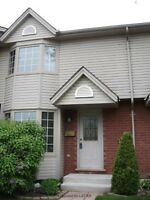 EXCELLENT CONDO FOR RENT - 3 BEDROOM NEAR UWO