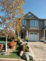 Exceptional/Executive 3 Bedroom Townhome with Garage/Northwest