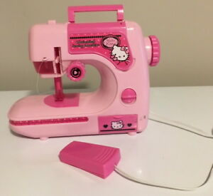*HELLO KITTY* KIDS SEWING MACHINE