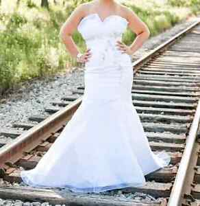 Beautiful Embellished Trumpet Style Wedding Gown - $250 OBO