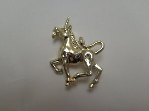 Vintage Gerrys Silver Toned Unicorn Mysical Brooch