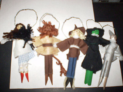 SET OF HANDMADE WIZARD OF OZ CLOTHESPIN DOLLS ORNAMENTS