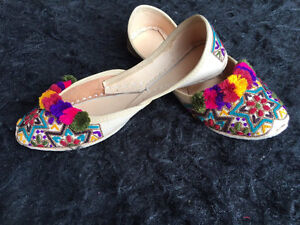 Brand New Flat Shoes Asian shoes Flat Indian Shoes Slip ons