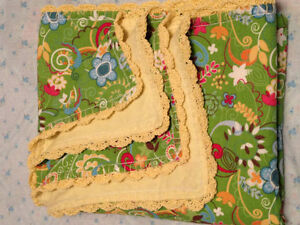 COTTON FLANNEL BLANKET and wood box