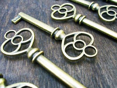 Skeleton Keys Bulk (Skeleton Keys Steampunk Antiqued Bronze 62mm Vintage Style Wedding Pendants Bulk)