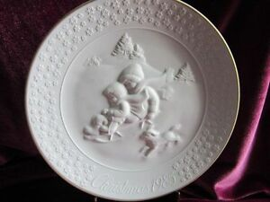 Avon Christmas Collector Plate 1985