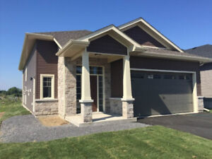 Beautiful 3 bedrooms main level of Single Bungalow Oct  15, 2019
