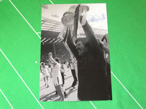 West-Ham-United-Phil-Parkes-Signed-1980-FA-Cup-Final-Trophy-Photograph