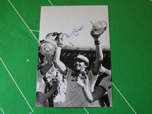 West-Ham-United-David-Cross-Signed-1980-FA-Cup-Final-Trophy-Photograph