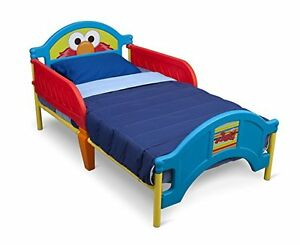 Toddler bed and 2 mattress